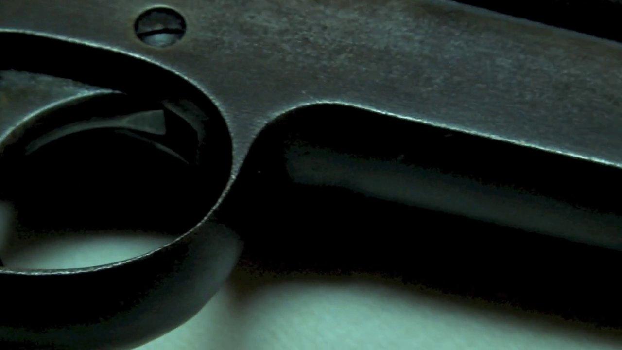 Filmpoem 40/ The Gun